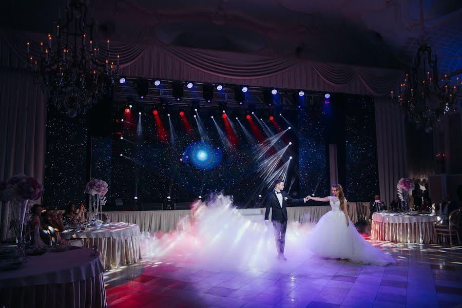 Wedding photographer Denis Zuev (deniszuev). Photo of 14.02.2018