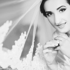 Wedding photographer Nadezhda Anton (nadyaanton95). Photo of 03.04.2018