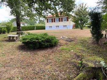 villa à Lesterps (16)