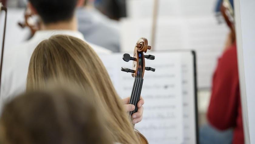 Alumna de la Orquesta Infantil de Almería.