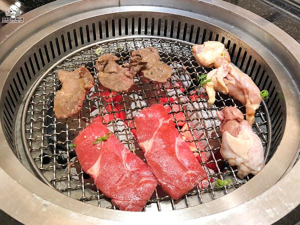 高雄CP值中肯的秘町無煙炭火燒肉吃到飽,肉肉、海鮮痛快吃,還有生魚片、蓋飯等美食