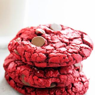 RED VELVET CAKE MIX COOKIES.