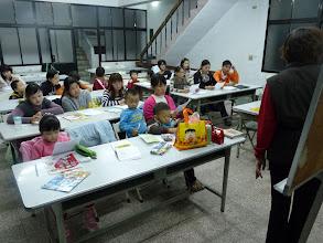 Photo: 20111201頭屋行動教室-外配識字班003