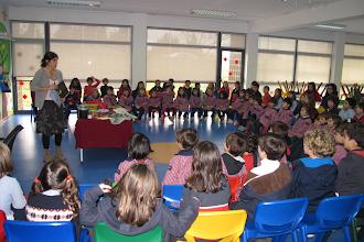 """Photo: Raquel Gaspar apresentou o livro """"Os amigos da menina do mar"""""""