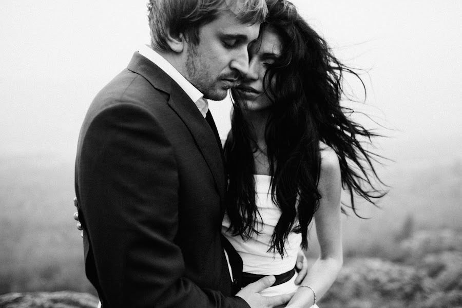 Wedding photographer Vasiliy Tikhomirov (BoraBora). Photo of 17.12.2014