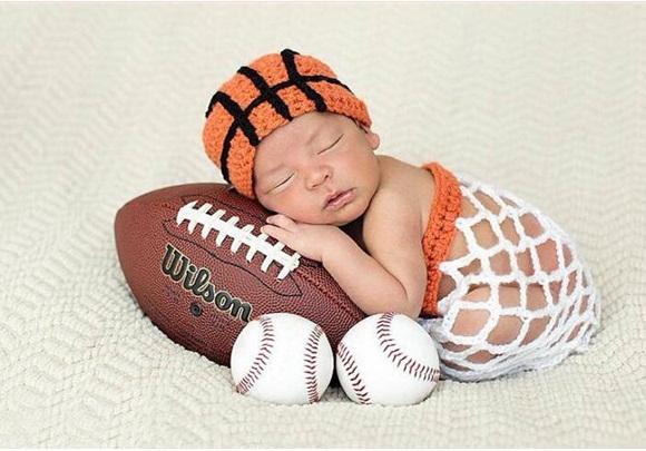 Ubranka dla niemowląt do sesji zdjęciowych: Jak się ubrać noworodka?Jak samemu zrobić sesję zdjęciową noworodkową w domu? 13