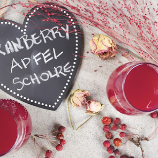 Sugar-Free Cranberry Apfel Schorle for Two (Cranberry Apple Spritzer)
