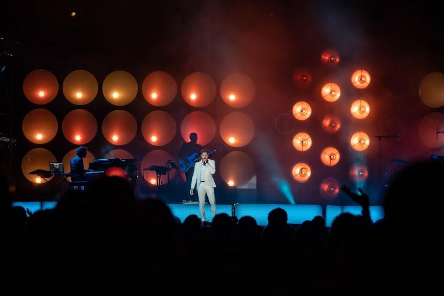 Bisbal interactuó con el público durante todo el concierto