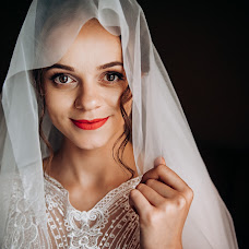 Wedding photographer Vadim Kostyuchenko (Sharovar). Photo of 19.10.2018