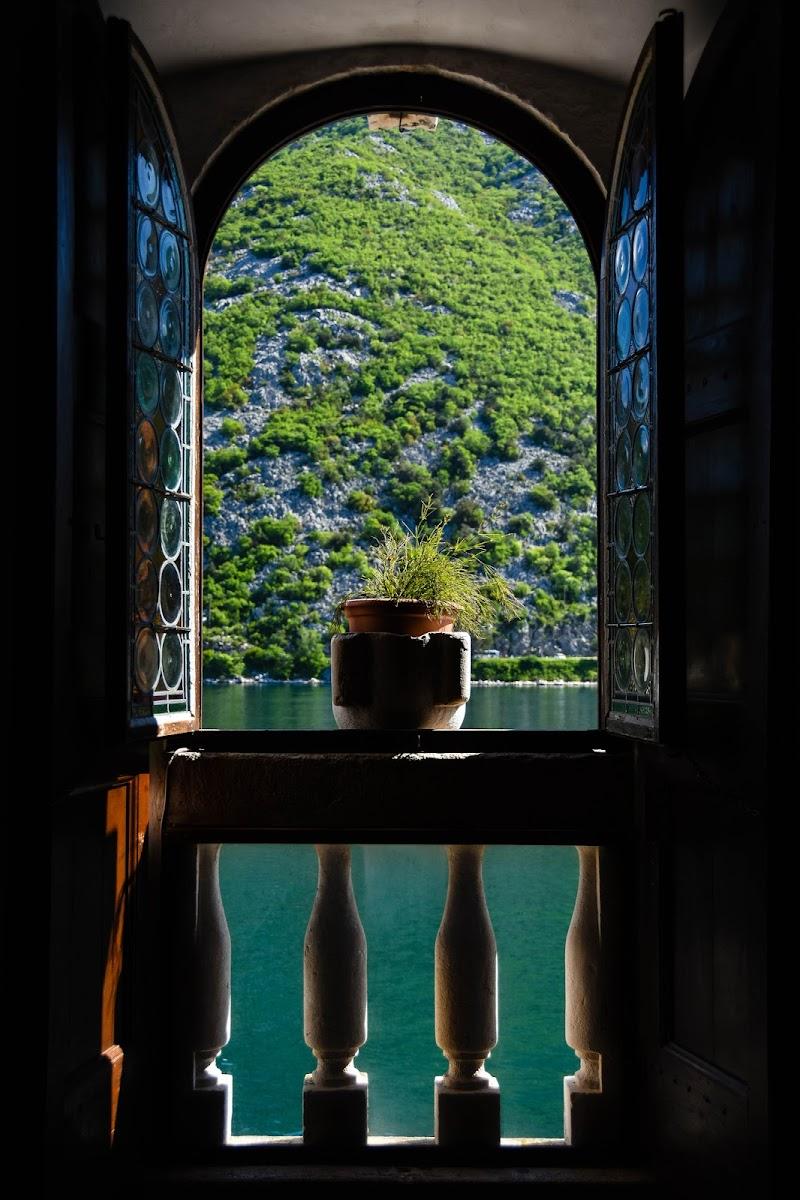 Camera con vista mare... di EttorePh