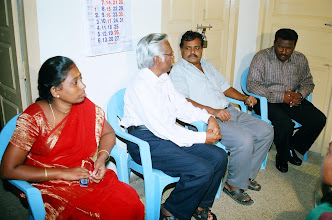 Photo: Dr.Christopher with the Chief Guest and Project staff