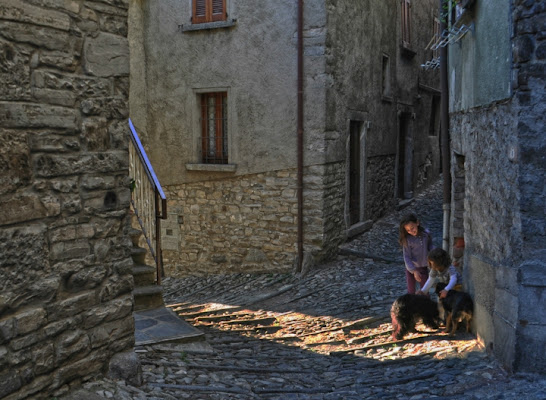 Vita nel borgo... di AlfredoNegroni