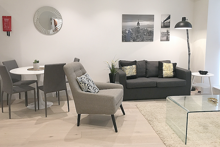 living space at Oxford Circus Apartments