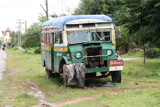 Photo: Year 2 Day 59 - Old Bus (A Bit Beyond Repair)