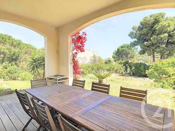 Vente villa 5 pièces 209,76 m2