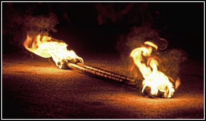 Burning in the night di Serfano