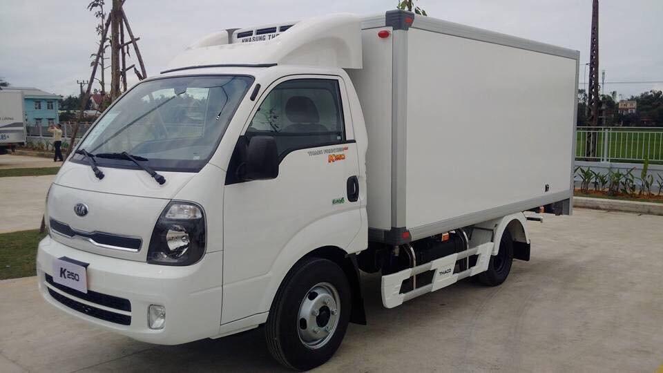 xe tải Kia màu trắng