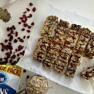 Cranberry Chia Chocolate Chip Granola Bar (No Bake)