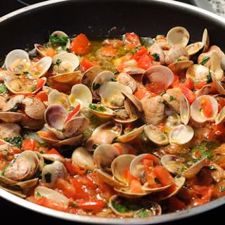Sauteed Clams in Tomato Sauce Recipe