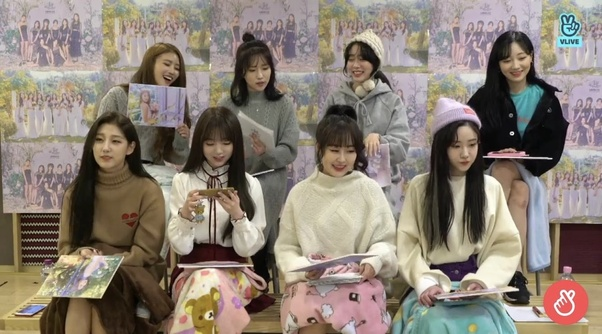 lovelyz-with-blankets