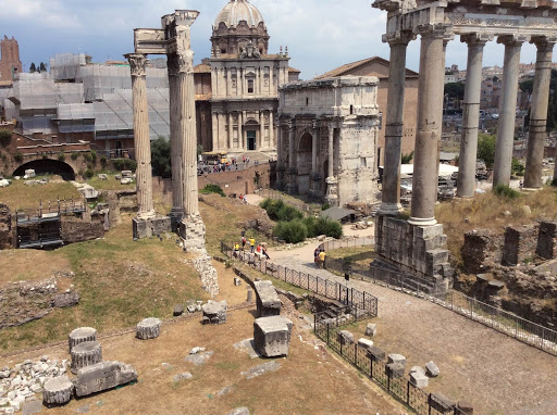 Roman-Forum-excavation.jpg - The Arch of Septimus Severus and the Temple of Saturn (built in 476 B.C.), right, at the Roman Forum.