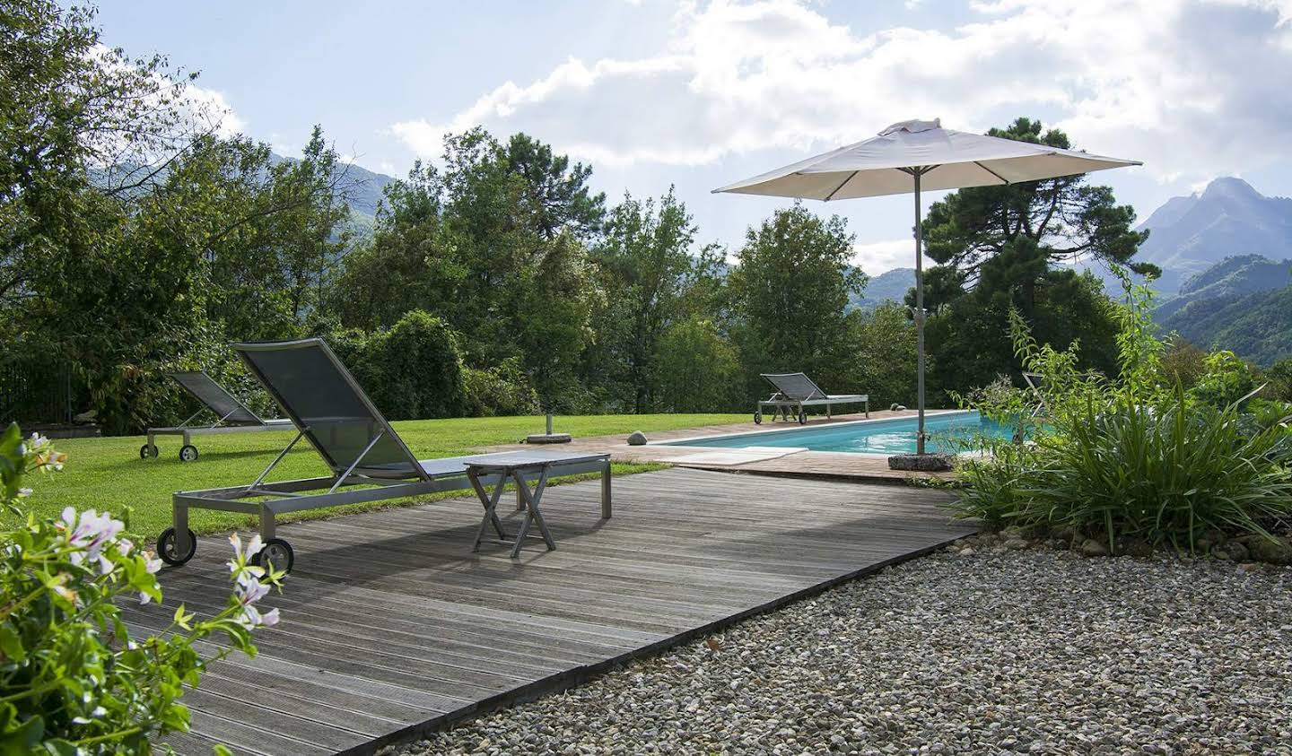 Villa with pool and terrace Barga