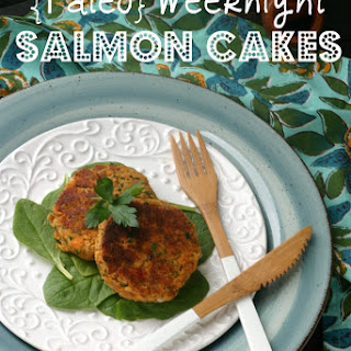 {Paleo} Weeknight Salmon Cakes.