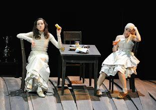 Photo: WIEN/ Burgtheater: WASSA SCHELESNOWA von Maxim Gorki. Premiere22.10.2015. Inszenierung: Andreas Kriegenburg. Sabine Haupt, Alina Fritsch, Copyright: Barbara Zeininger