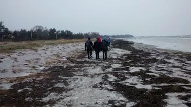 Photo: vandring langs stranden