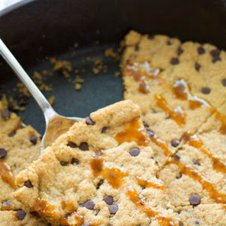 Flourless Caramel Chocolate Chip Skillet Cookie