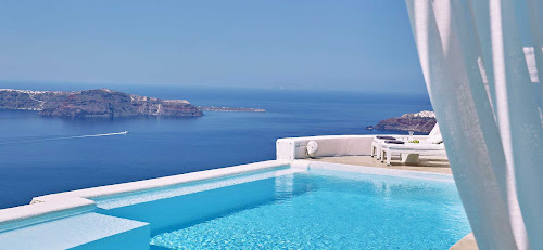 The view of the pool and the stunning Aegean Sea from Astra Suites on Santorini (click to enlarge).