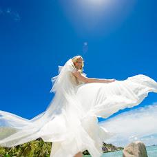 Wedding photographer Yuliya Luneva (YuliusZharko). Photo of 17.12.2015