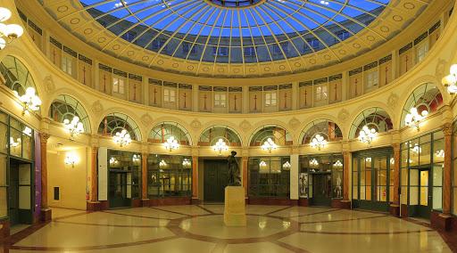 Galerie-Colbert-Paris.jpg - Rotunda of the Galerie Colbert (Colbert Galleria), Paris