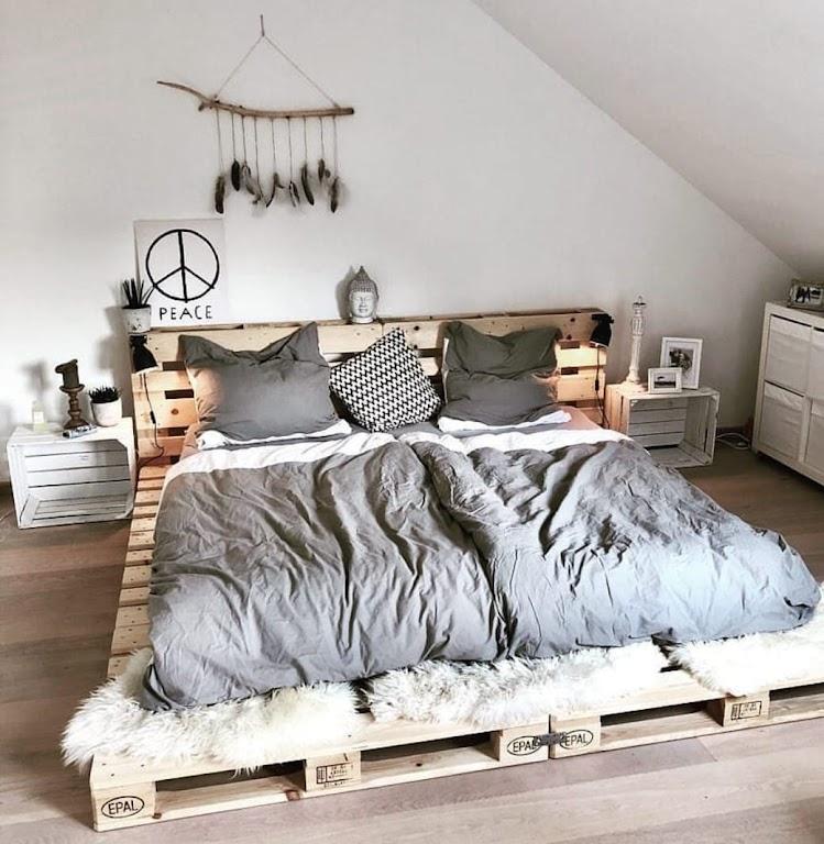 Łóżko z palet prezentują się efektownie