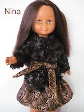Photo: Conjunto de vestido en tapicería dorado/negro con cinturón y chaquetón tipo astrakán con cinturón a juego con el vestido: 25 euros más envío