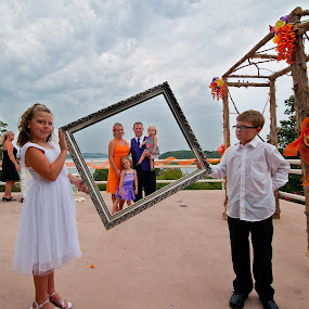 Family Frame by Michael  Kitchen - Wedding Groups