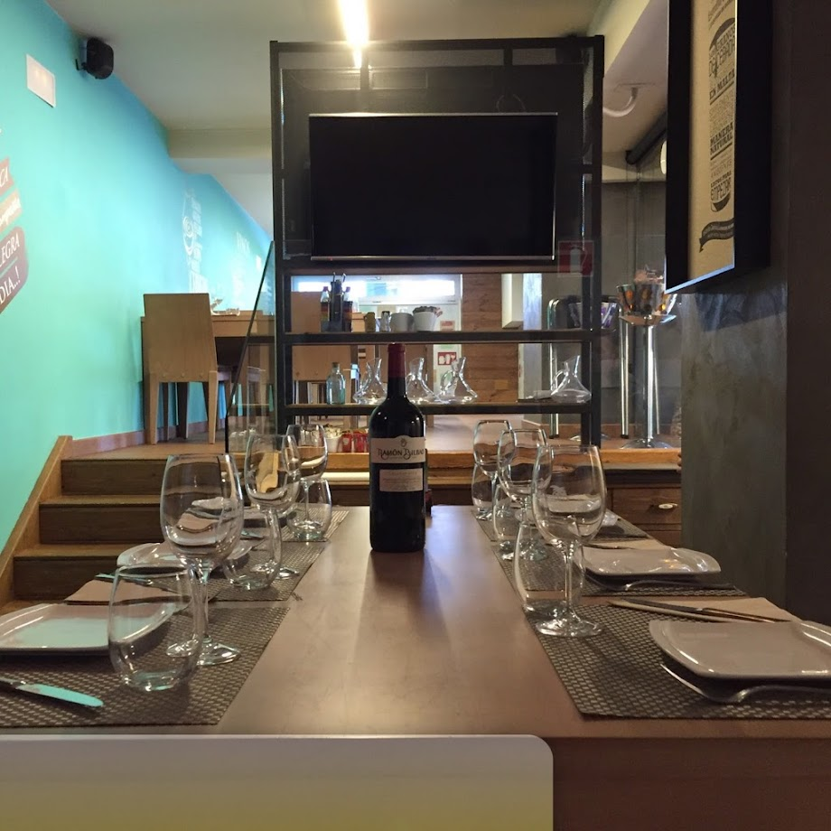 Foto Tambo Coffee & Restaurant 6