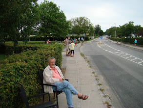 Photo: Tilskuere langs Kirkebakken