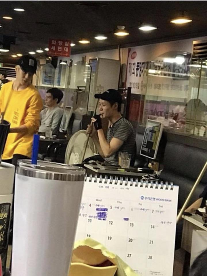 Loạt nam thần tượng xứ Hàn khiến các fan