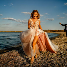 Wedding photographer Adrian Fluture (AdrianFluture). Photo of 08.11.2018