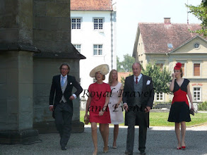 Photo: Count Christoph and Countess Bergit Douglas with Family?