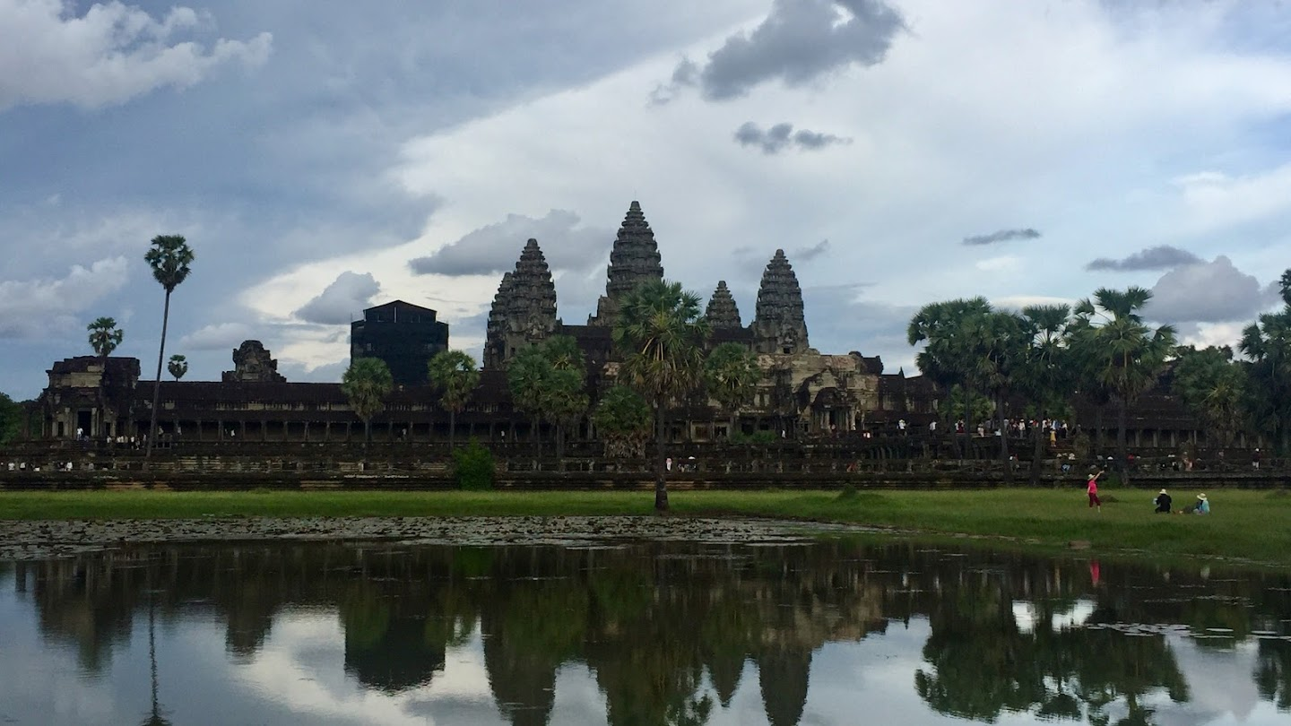 Watch Angkor: Land of the Gods live