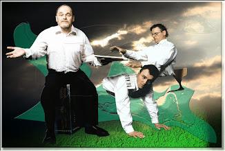 Photo: 2003 06 28 - F 02 07 14 531 d1 w - D 030 - Drei Männer machen Musik