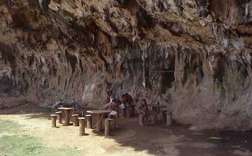 Photo: Acantilado levantado en la costa oriental cubana