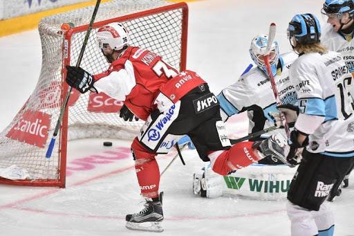 Lassi Kokkala öppnade målskyttet redan efter 53 sekunder. Foto: Samppa Toivonen.