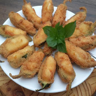 Jalapeno Poppers Stuffed with Halloumi