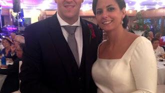 Joan Porres y Pili Castejón, con las Pulseras Candela el día de su boda.