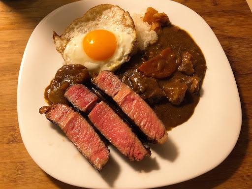 全台灣最好吃的咖哩 外帶再煎塊牛排更美味