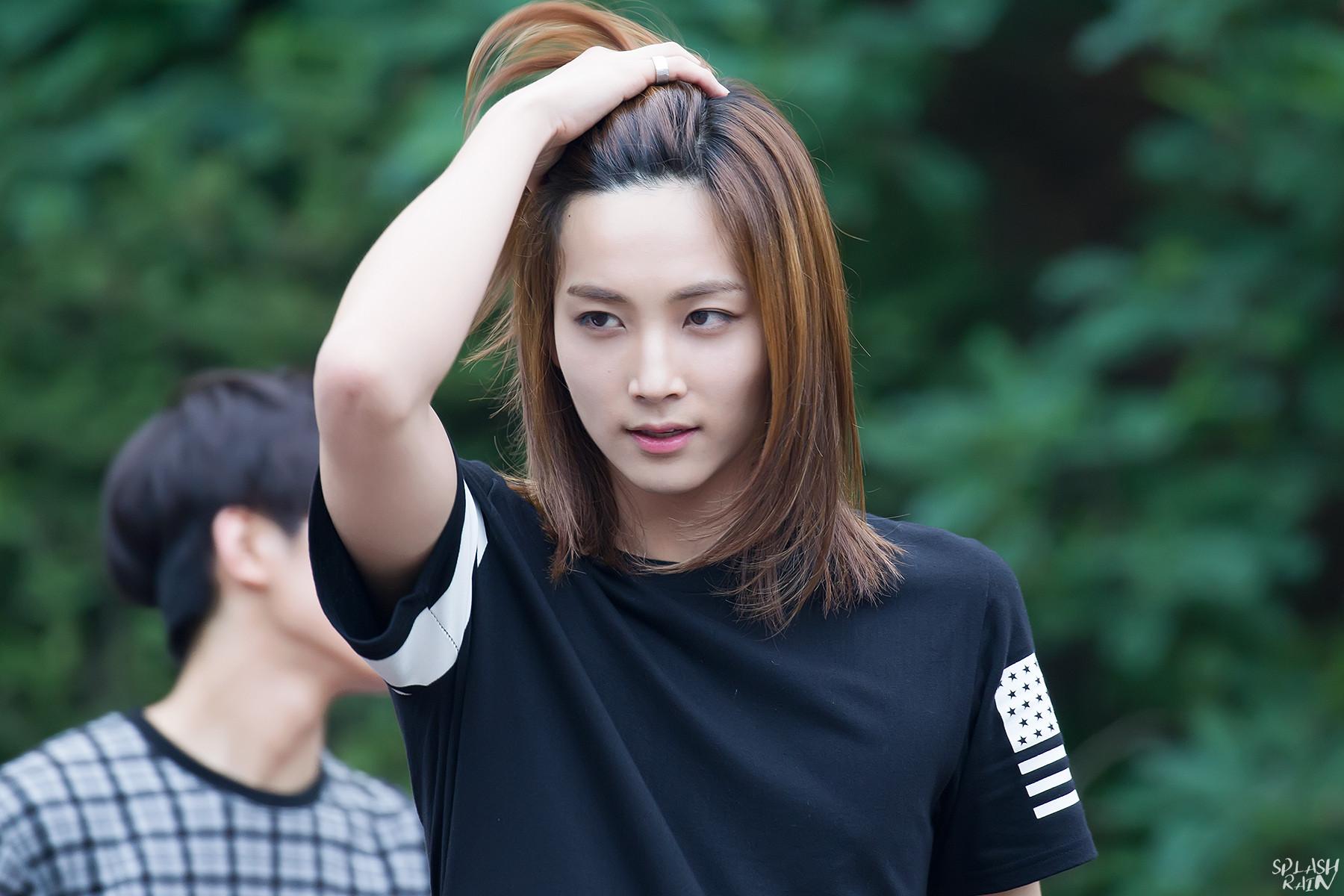 Jeonghan1