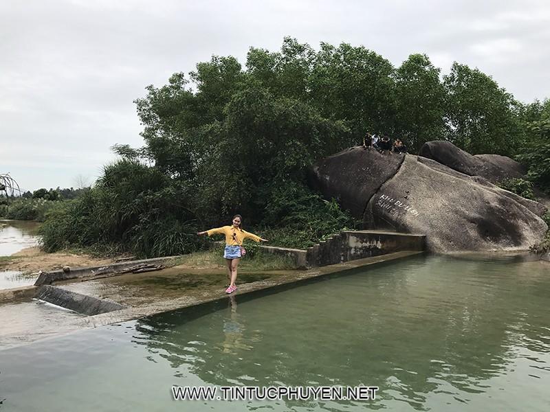 Suối lạnh Hòa Thịnh – điểm đến lí tưởng mùa hè